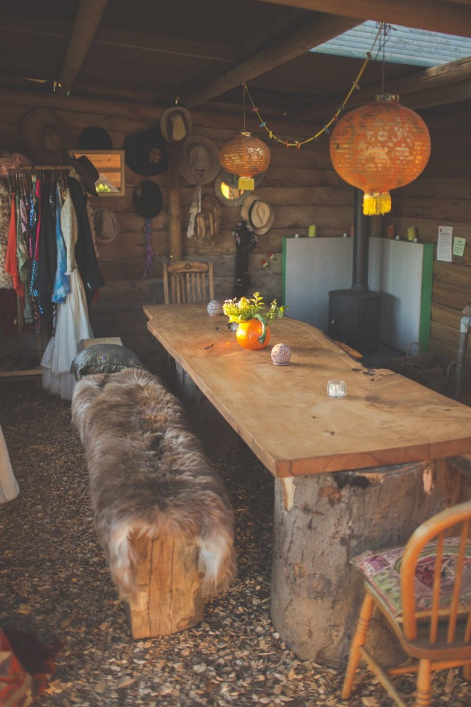 Your own cosy cabins with dining and kitchen